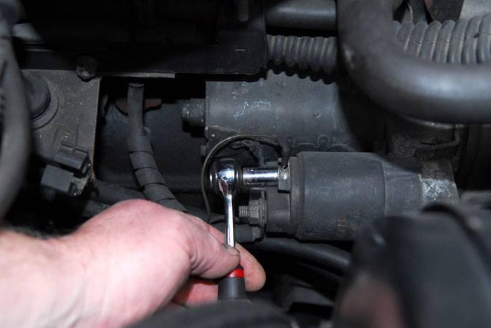 Desconectar la alimentación del motor de arranque